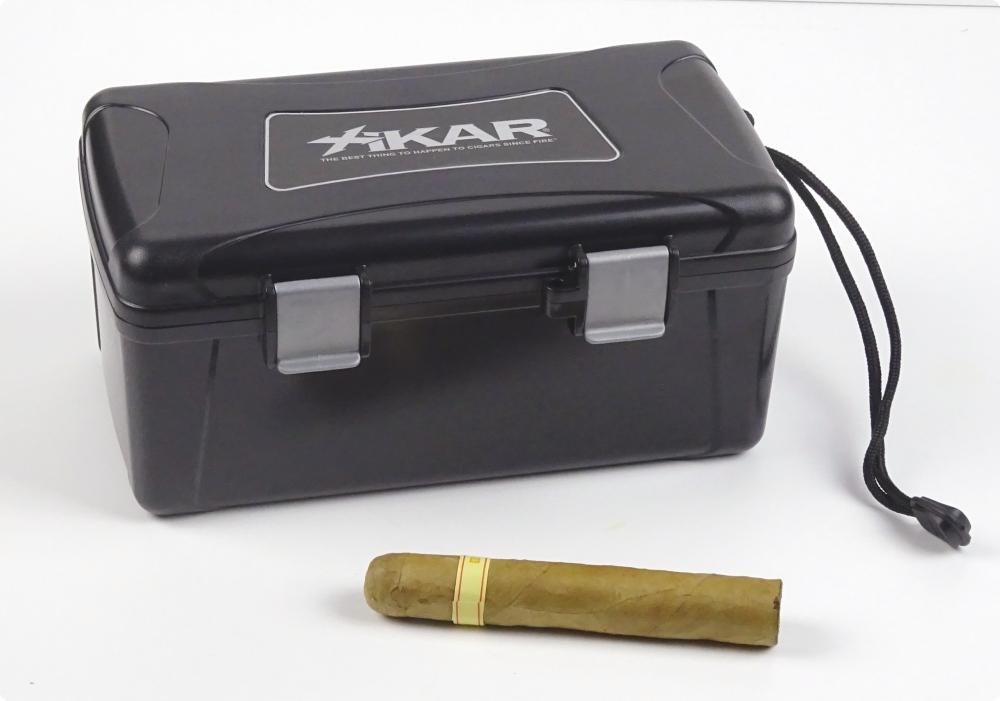 Reisehumidor Xikar 1215xi ABS schwarz 15 Zigarren